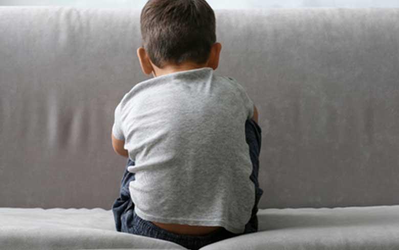 كيفية التعامل مع أطفال التوحد