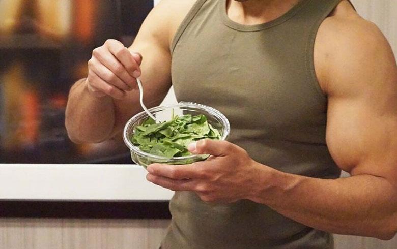 للرجال... 5 أطعمة تساعد على بناء العضلات