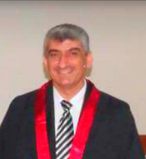 الدكتور صلاح محمد الهناريي