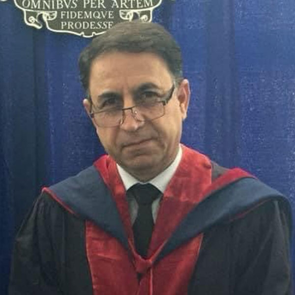 الدكتور فاضل احمد بالندي
