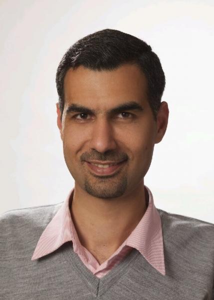 الدكتور منصور علي حسين