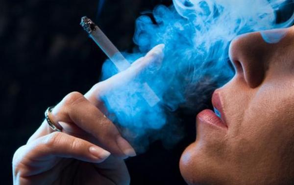 هل التدخين يجعلك أكثر عرضة للإصابة بفيروس كورونا؟